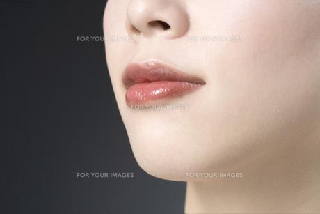 女性の口元の素材 [FYI00915696]