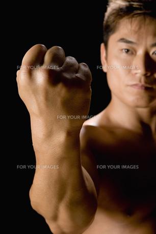 たくましい日本人男性の素材 [FYI00915922]