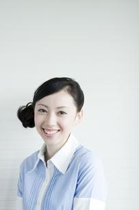 笑顔の女性の素材 [FYI00918059]