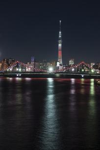 隅田川清洲橋の夜景の写真素材 [FYI00920486]
