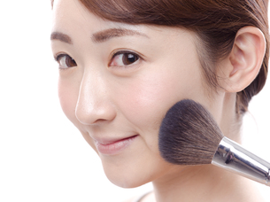 メイクされる日本人女性の写真素材 [FYI00920794]