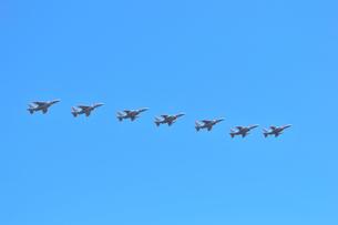 T-4練習機の編隊飛行の写真素材 [FYI00921241]