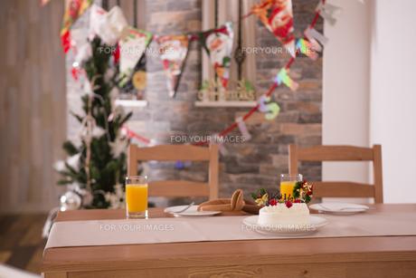 クリスマスの食卓の写真素材 [FYI00921740]