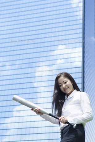 若い会社員の女性の写真素材 [FYI00921834]