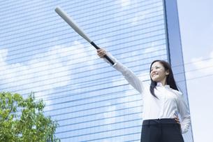 若い会社員の女性の写真素材 [FYI00921870]