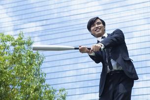若い会社員の男性の写真素材 [FYI00921881]