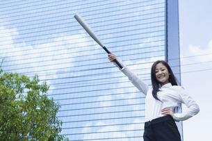若い会社員の女性の写真素材 [FYI00921885]