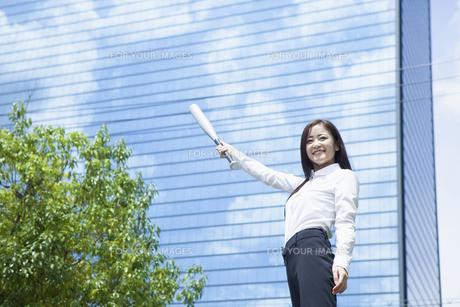 若い会社員の女性の写真素材 [FYI00921887]