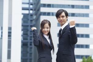 若い会社員の男女の素材 [FYI00921893]