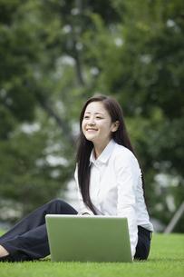 若い会社員の女性の写真素材 [FYI00921908]