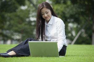 若い会社員の女性の素材 [FYI00921920]