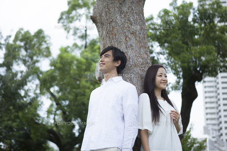 若い男女のカップルの素材 [FYI00921953]