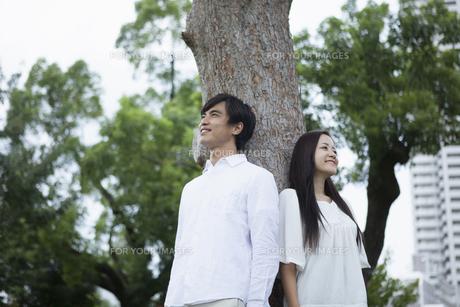若い男女のカップルの素材 [FYI00921957]
