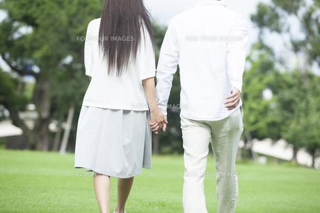 若い男女のカップルの素材 [FYI00921974]