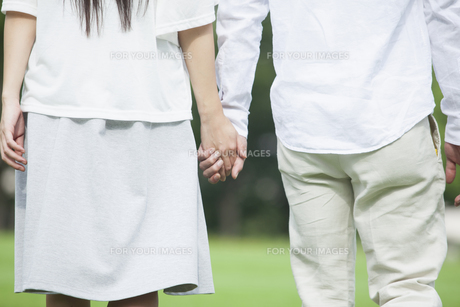 若い男女のカップルの素材 [FYI00921975]
