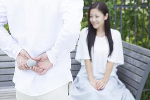 若い男女のカップルの素材 [FYI00921994]