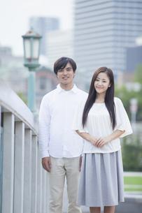 若い男女のカップルの写真素材 [FYI00922026]