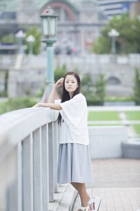 若い女性のポートレートの素材 [FYI00922027]