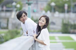 若い男女のカップルの素材 [FYI00922029]