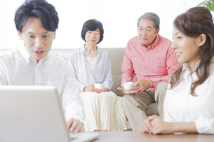 PCで検索する家族の素材 [FYI00922222]