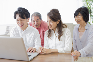 PCで検索する家族の素材 [FYI00922240]
