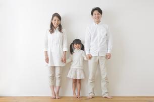 団欒する家族の写真素材 [FYI00922265]