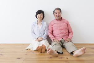 くつろぐ老夫婦の写真素材 [FYI00922271]