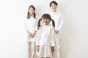 団欒する家族の写真素材 [FYI00922279]