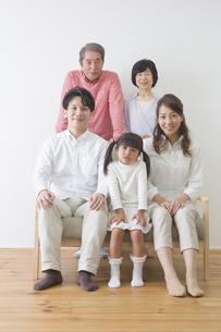 団欒する家族の写真素材 [FYI00922293]
