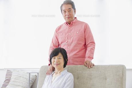 くつろぐ老夫婦の写真素材 [FYI00922353]