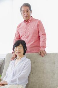 くつろぐ老夫婦の写真素材 [FYI00922372]