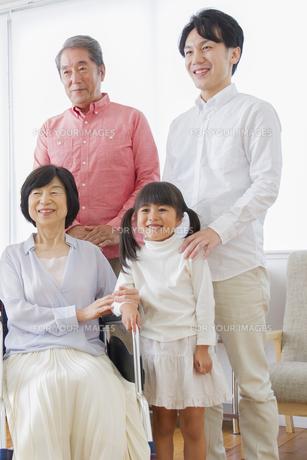 介護家族の写真素材 [FYI00922499]