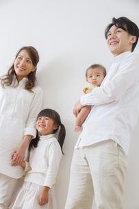 団欒する家族の写真素材 [FYI00922522]