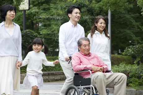 介護家族の素材 [FYI00922567]