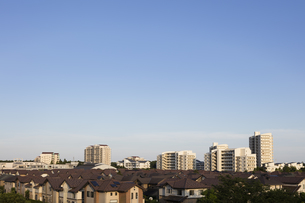 晴れの住宅街の写真素材 [FYI00923271]