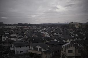 曇りの住宅街の写真素材 [FYI00923274]