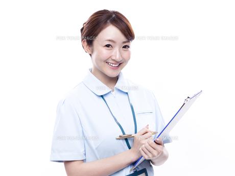若い女性の医療従事者の写真素材 [FYI00923303]