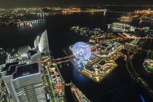 横浜港の夜景の写真素材 [FYI00923798]