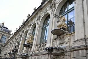 ツヴィンガー宮殿(ドイツ・ドレスデン)の写真素材 [FYI00923961]