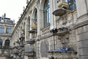 ツヴィンガー宮殿(ドイツ・ドレスデン)の写真素材 [FYI00923962]