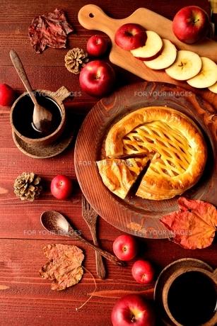 アップルパイと林檎の写真素材 [FYI00924619]