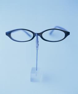 メガネ カード立て 顔の素材 [FYI00934314]