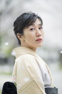 和服の日本人女性の素材 [FYI00934876]