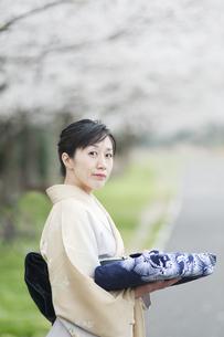 和服の日本人女性の素材 [FYI00934906]