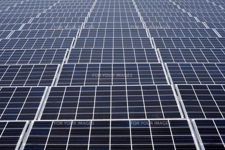 太陽光パネルの素材 [FYI00935441]