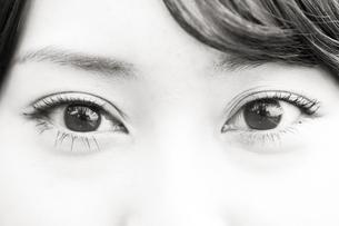 女性の瞳の素材 [FYI00935588]