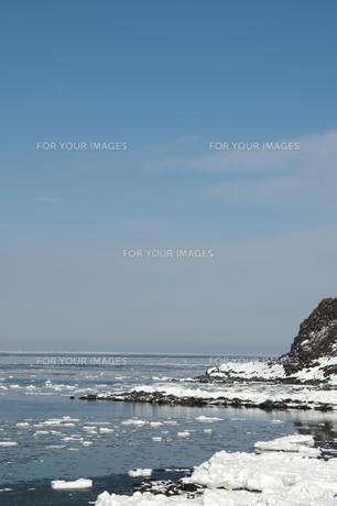接岸した流氷の写真素材 [FYI00941851]