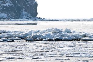 接岸した流氷の写真素材 [FYI00941852]
