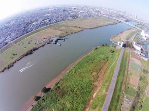 江戸川上空のドローンの写真素材 [FYI00941884]