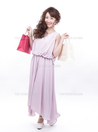 買い物する女性の写真素材 [FYI00941979]
